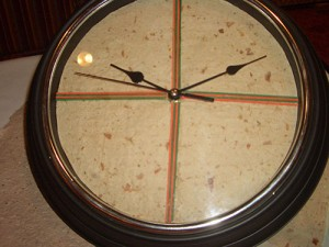 clock-face-made-of-handmade-cocoa-based-paper